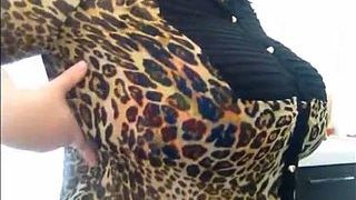 Ample Funbags Elderly Slut Taunts Together With Her Milk Luggage On Web Cam