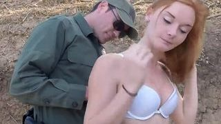 Red-haired She-male Solo Hardcore A Border Patrol Agent Stuck This Amateur Red-haired Megabitch