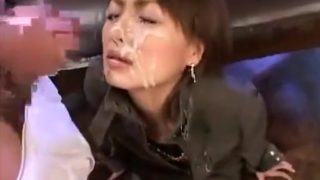 Enrapturing Chinese Cougar Mass Ejaculation
